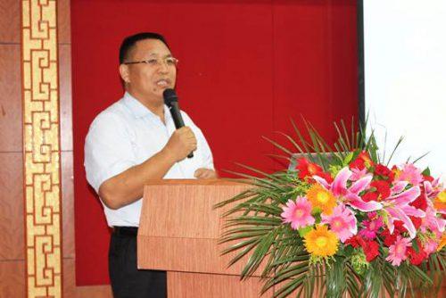 河北康达公司总经理沈景福做新常态下肉鸡放养龙头经营模式如何转型升级的报告