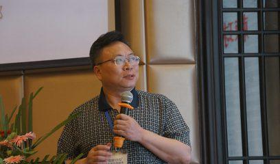 曹建平在2017年全国包虫病防控技术研讨会上作报告