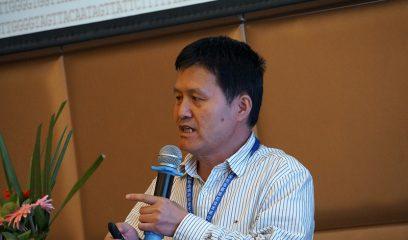 贾万忠研究员在2017年全国包虫病防控技术研讨会上作报告