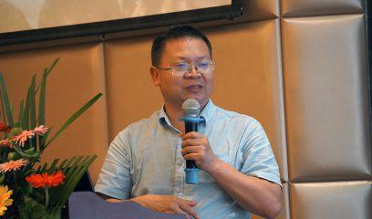 杨光友在2017年全国包虫病防控技术研讨会上作报告